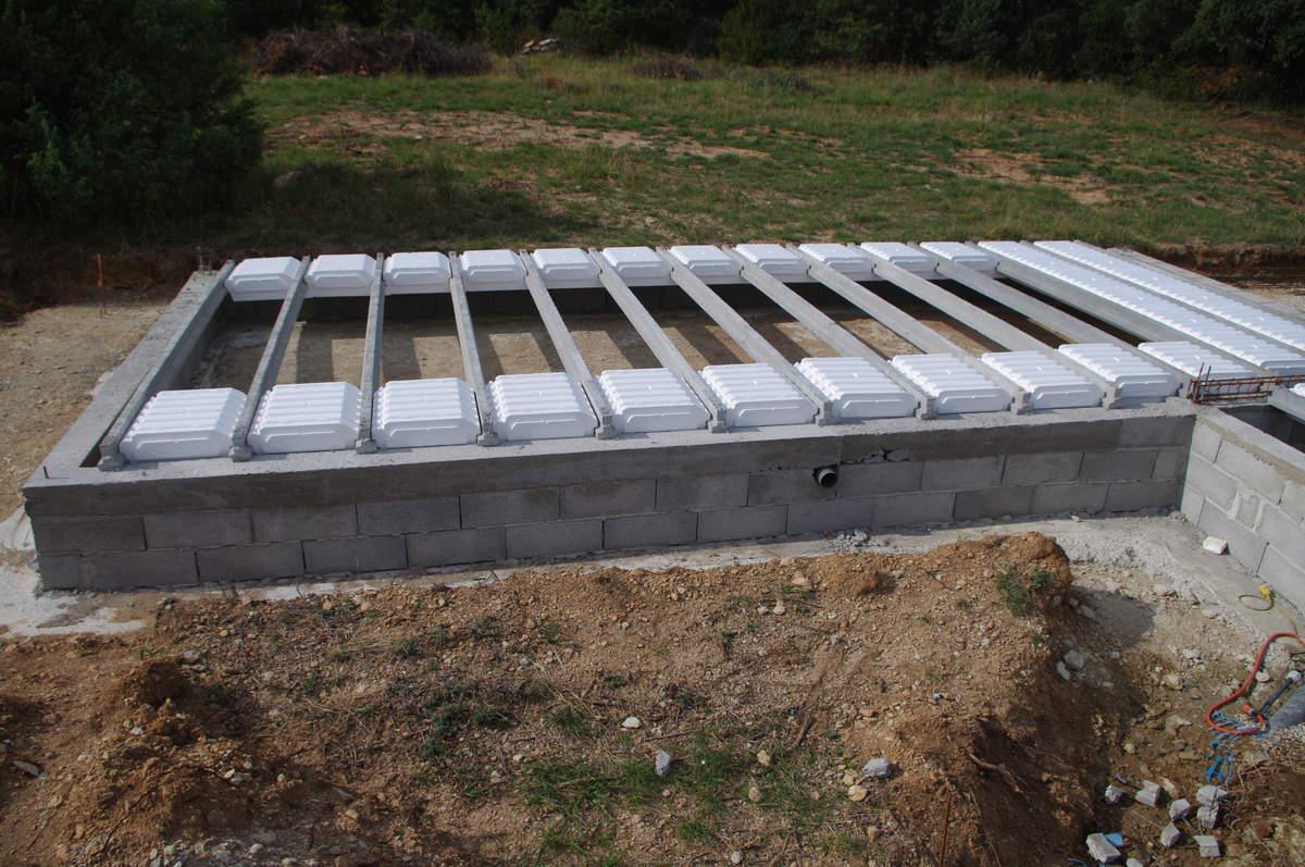 Fondations et dalle pour une maison en bois - Maison sans vide sanitaire humidite ...