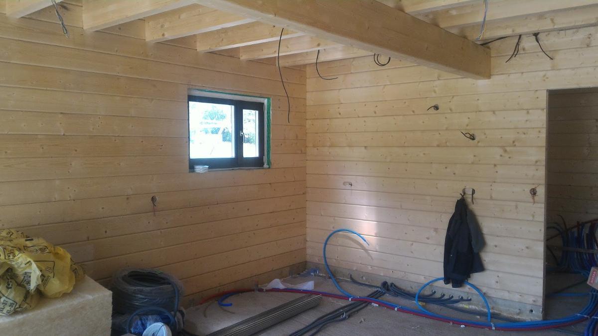 installation lectrique dans une maison en bois. Black Bedroom Furniture Sets. Home Design Ideas
